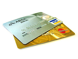 debetkartes un kredītkartes