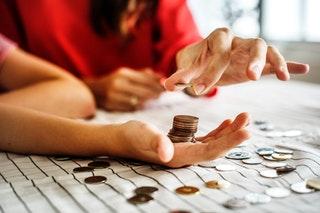 Kā iemācīt bērnam izpratni par naudu