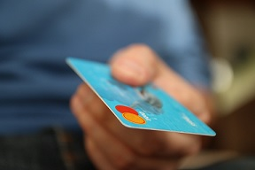 Kura ir labākā kredītkarte bērnam